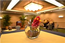 Airport Honolulu Hotel - Flowers
